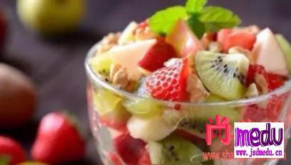 冬天吃水果,是否会伤肠胃?