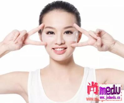 使用眼霜会长脂肪粒吗?眼霜使用误区有哪些?