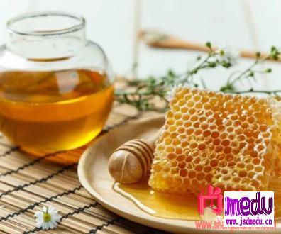 过期的蜂蜜可以做面膜吗?蜂蜜面膜的做法及功效