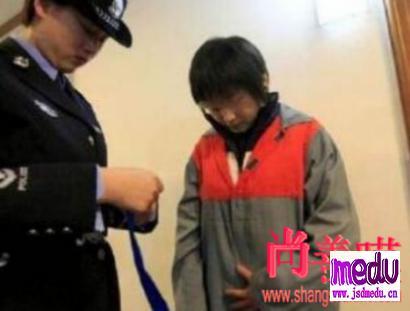 常德厌世大学生杨博淇刺死滴滴司机陈宏案开庭,嫌犯抑郁症