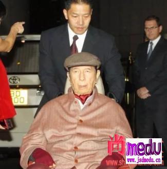 99岁澳门赌王何鸿燊病情突然恶化!三太陈婉珍、四太梁安琪同时入院,家产争夺进入白热化