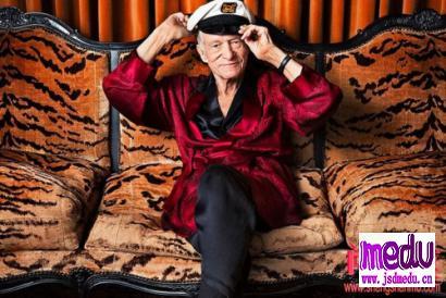 """花花公子《Playboy》的创造者""""休·海夫纳"""": 91岁,睡过2000个女人,娶小60岁嫩模,还要埋葬在玛丽莲·梦露身"""