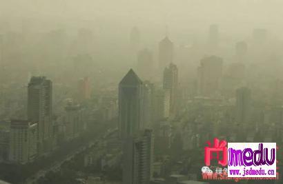 2020年春节期间防疫新型冠状病毒,户户隔离为什么北京等地区还持续雾霾?