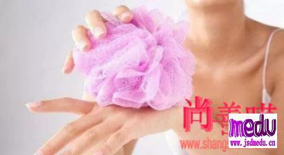 冬季皮肤瘙痒的表现症状,专业联合用药及注意事项