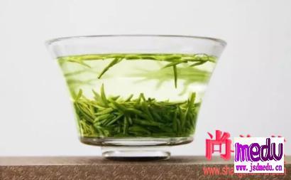 喝绿茶有什么好处坏处?