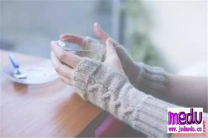 女人经常四肢冰冷、抽搐怎么办?张锡纯活络祛寒汤临床应用适应症功效与作用