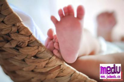 新型冠状病毒存在母婴传播?孕妈妈应该如何防范感染武汉肺炎?