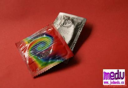 xxoo戴套体验差? 吃避孕药到底安全吗?
