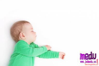 宝宝睡前总是哭闹怎么办?5 招让娃安静入睡