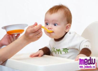 新冠肺炎疫情防护期,如何给宝宝安全添加辅食
