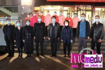 """山东济宁兖州区铁路医院""""毁桃门"""":领导摘不到,你们都别拿"""