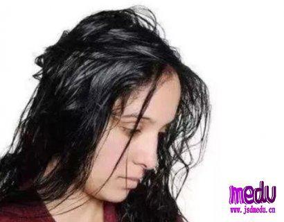 肝出问题了,头发会有哪些症状表现?