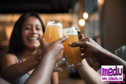 喝酒脸红的人是能喝酒的表现吗?