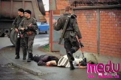 1992年4月7日波黑内战爆发,20世纪最惨烈的围困战就在萨拉热窝