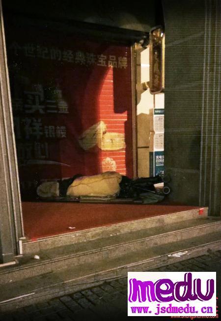 在武汉,不会网购的老人会不会被饿死?
